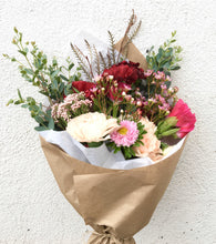 Load image into Gallery viewer, Classic Valentine Bouquet