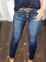 Load image into Gallery viewer, Non distressed skinny jeans