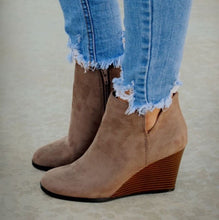 Load image into Gallery viewer, Taupe Wedge Booties