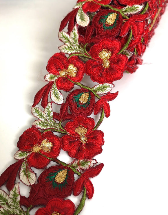 7901 Wide Shaded Red & Green Pansy Flower Cutwork Trim