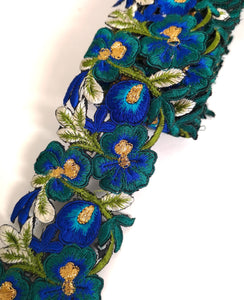 7901 Wide Peacock Blue & Turquoise Pansy Flower Cutwork Trim