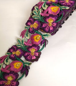 7901 Wide Grape, Dusky Pink & Yellow Pansy Flower Cutwork Trim