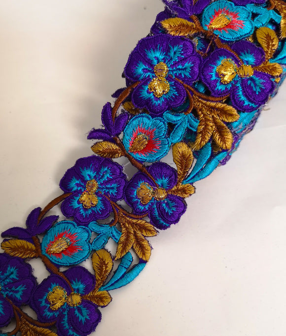 7901 Wide Purple & Turquoise Pansy Flower Cutwork Trim