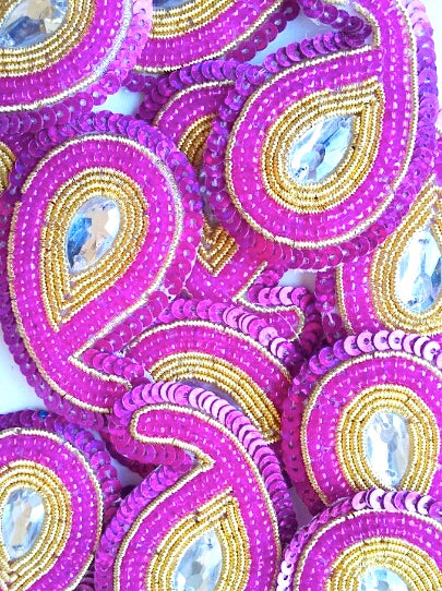 A244 Hot Pink & Gold Big Paisley Shaped Sequin Motif