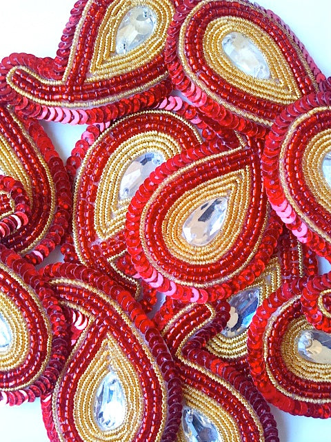 A244 Red & Gold Big Paisley Shaped Sequin Motif