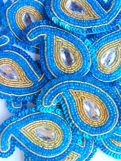 A244 Turquoise & Gold Big Paisley Shaped Sequin Motif
