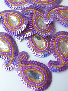A28 Lilac & Gold Small Paisley Shaped Sequin Motif