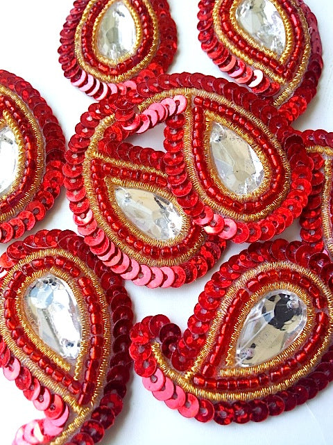 A28 Red & Gold Small Paisley Shaped Sequin Motif