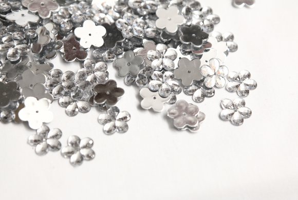 Clear Metallic 15mm Flower Flat Back Gems