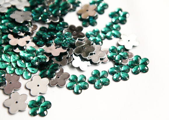Emerald Green 15mm Flower Flat Back Gems