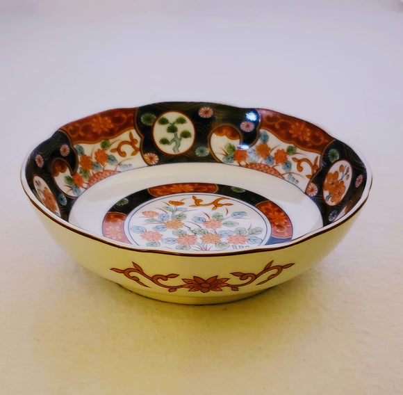 SCALLOPED-EDGE GENUINE IMARI  BOWL/ HANDPAINTED/ ASIAN DECOR