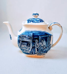 "LIBERTY BLUE TEAPOT 'HISTORIC COLONIAL SCENES""/  ""MINUTE MEN"" BY STAFFORDSHIRE / BLUE & WHITE"