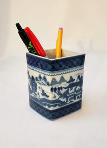 MOTTAHEDEH CACHEPOT/PENCIL BOX HC133/BLUE&WHITE ACCENT/GIFT/HOME OFFICE/HISTORIC CHARLESTON