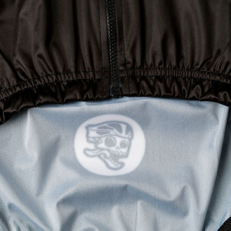 All Day Club Gilet detail