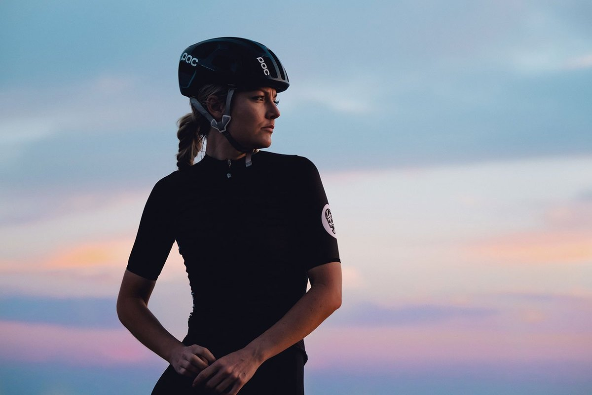Attaquer Race Cycling Jersey lifestyle