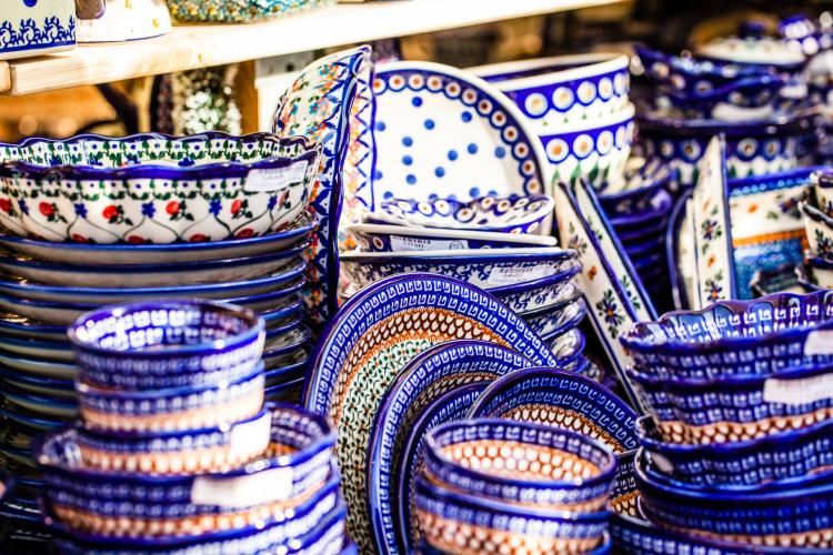 Pottery Of Boleslawiec: Seven Hundred Years Of Traditions