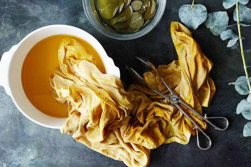 Natural vs Synthetic Dyeing: + And -