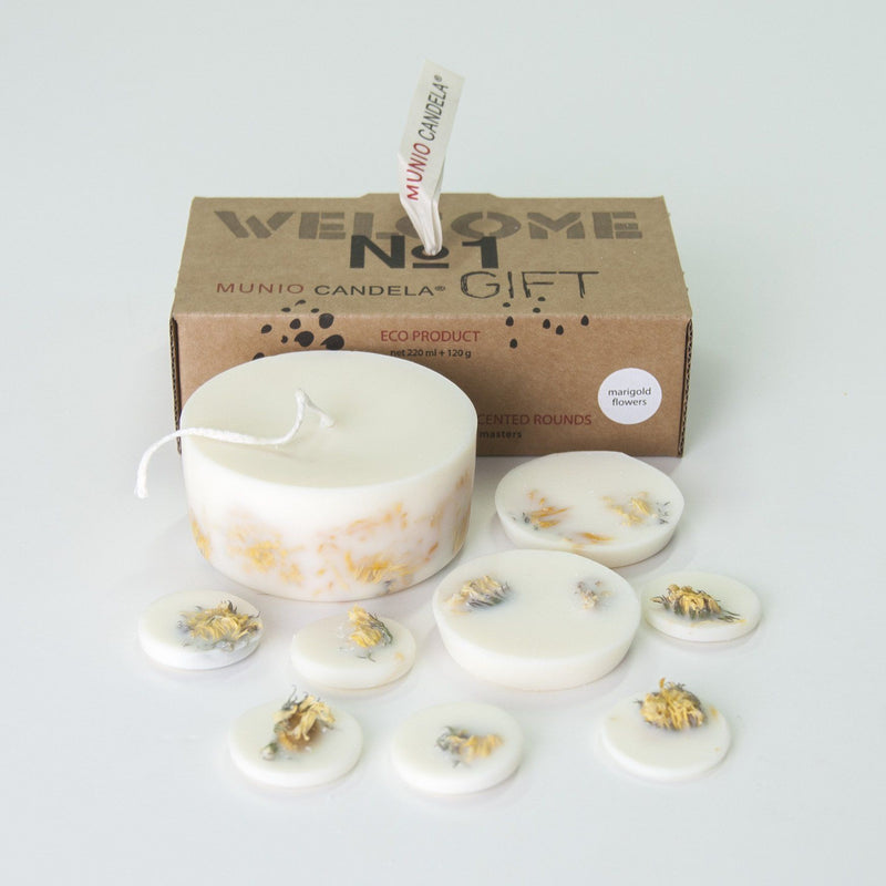 "Marigold Flowers, Gift Box: Scented Soy Wax Candle + Scented Soy Wax Rounds ""5 SENSES"", 515 ml"