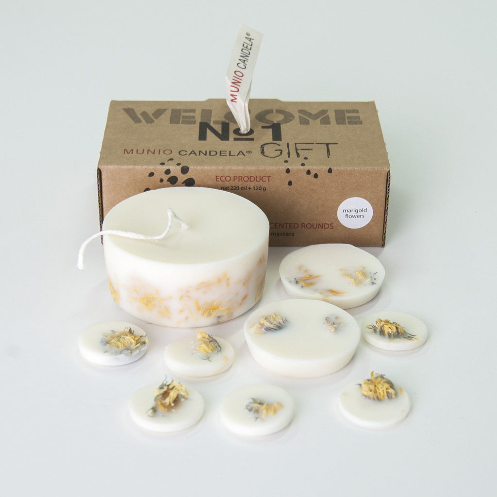 "Scented Soy Wax Candle + Scented Soy Wax Rounds, Marigold Flowers, Gift Box: ""5 SENSES"", 320 ml"