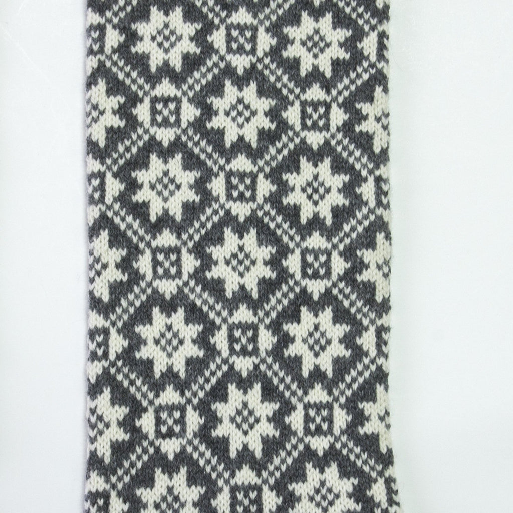 100% Wool Scarf Handmade double-sided 'NORDIC STAR' - Treasure Box