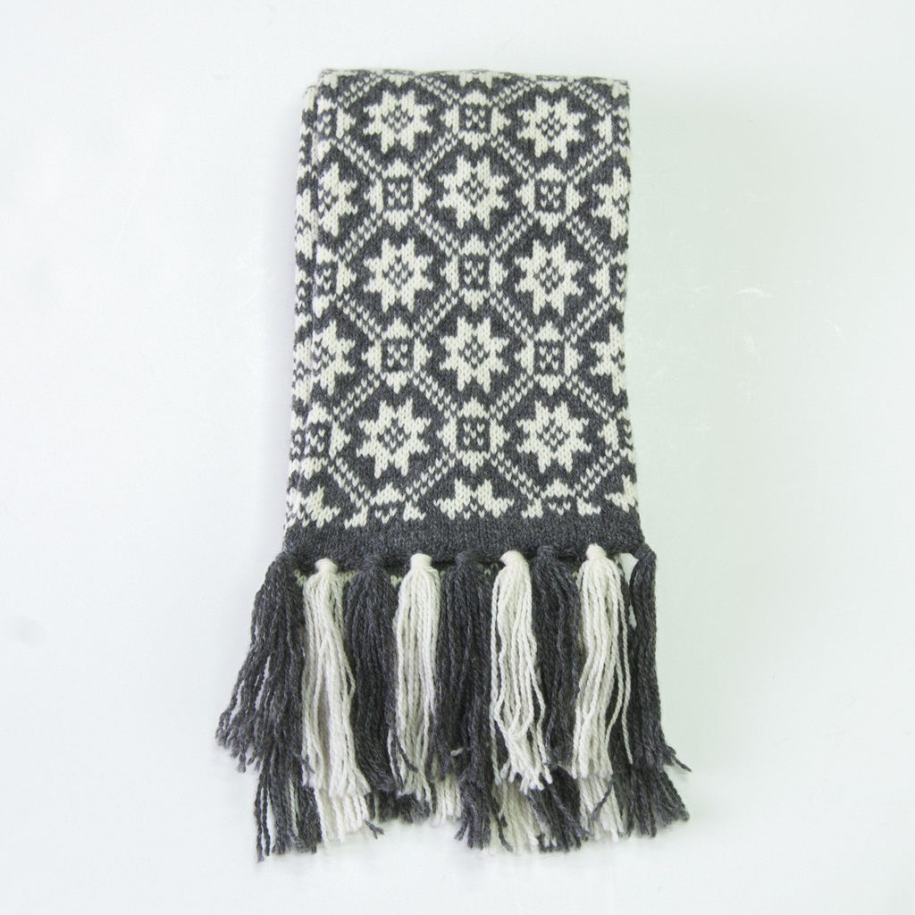 100% Wool Scarf Handmade double-sided 'NORDIC STAR'