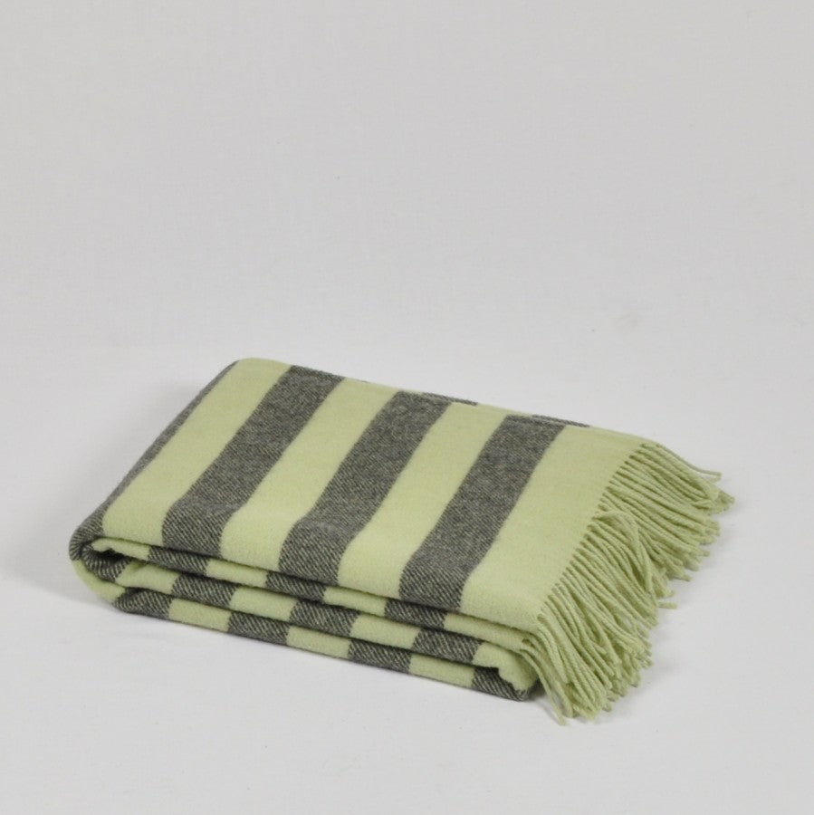 100% Lambs Wool Throw / Blanket 'Argo', 140 x 200 cm, collection 'HUG ME MORE...soft' by Drobe, Lithuania, 1920 - Treasure Box