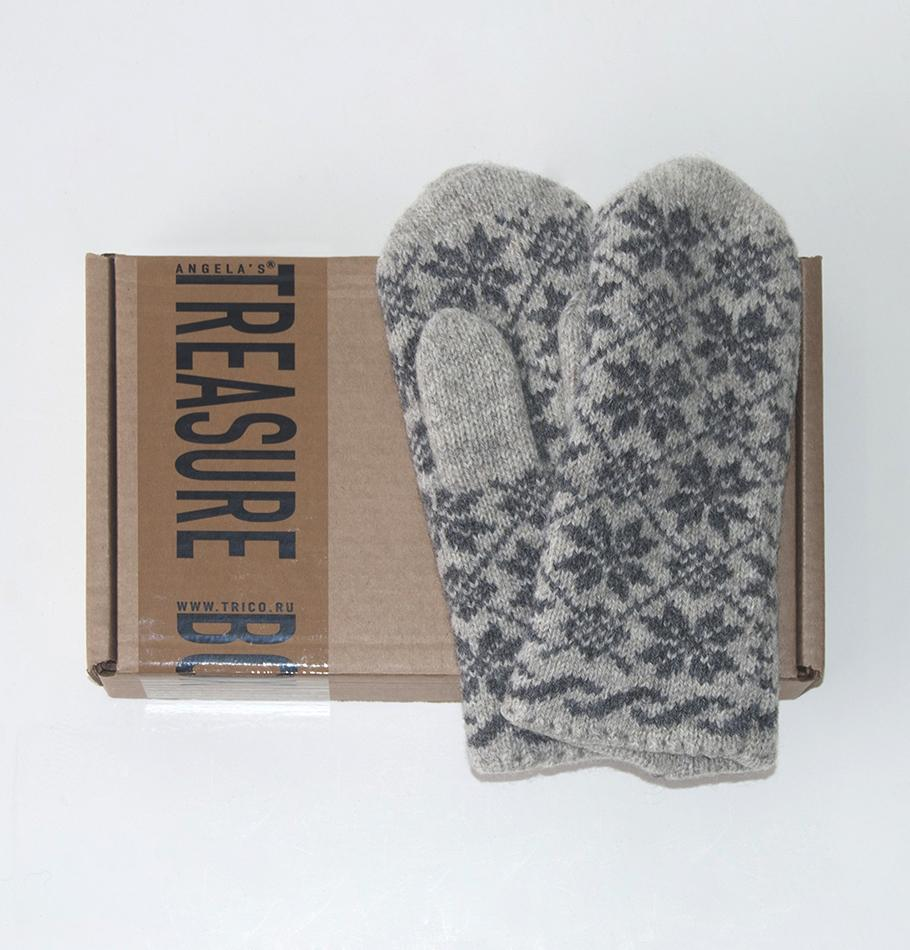 100% Wool Handmade Mittens - Treasure Box