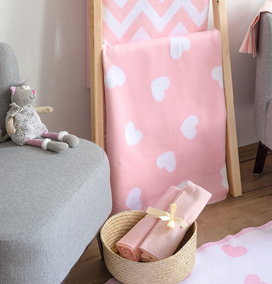 100% Cotton Flannelette Blanket, double-sided, 'LITTLE HEARTS' - Treasure Box