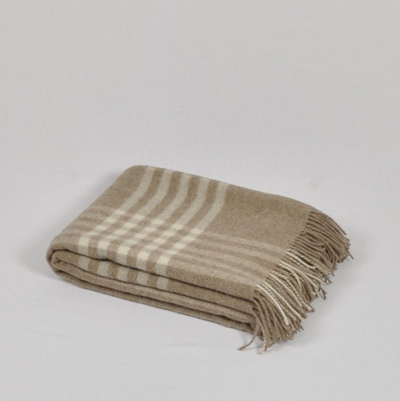 100% Lambs Wool Throw / Blanket 'Derion', 140 x 200 cm, collection 'HUG ME MORE...soft' by Drobe, Lithuania,1920