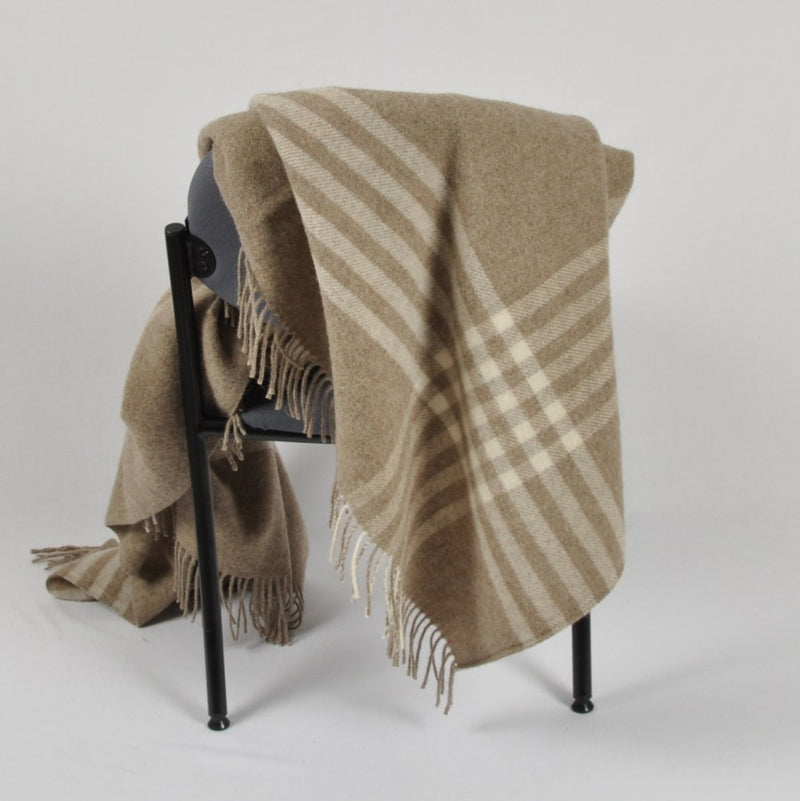 100% Lambs Wool Throw / Blanket 'Derion', 140 x 200 cm, collection 'HUG ME MORE...soft' by Drobe, Lithuania,1920 - Treasure Box