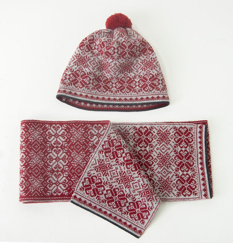 100% Wool Pompon Hat 'NORDIC STAR'