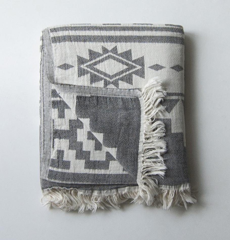 Premium turkish cotton blanket - Treasure Box