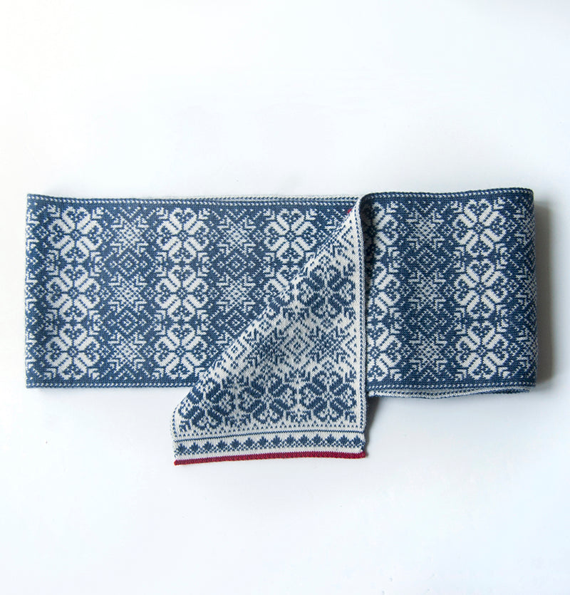 Wool Scarf double-sided 'NORDIC STAR' - Treasure Box