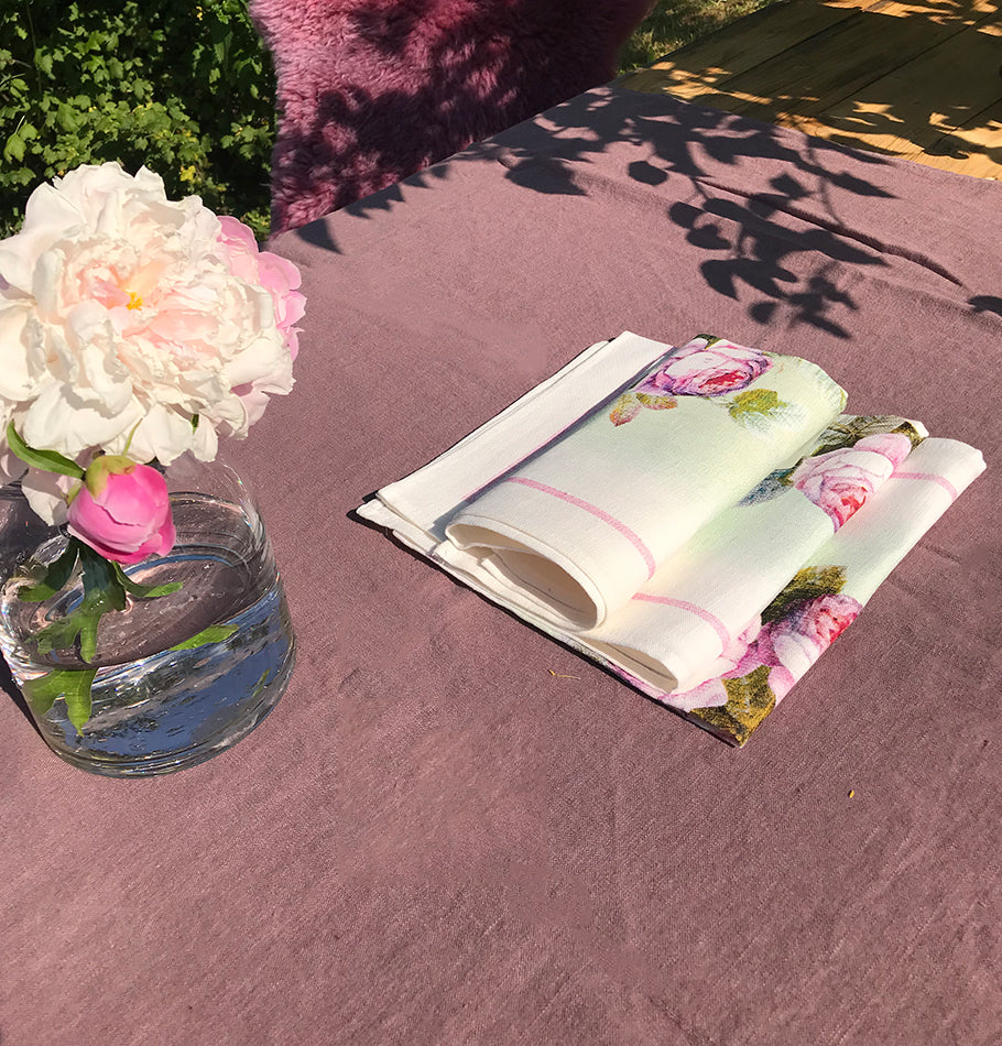 100% Softened Linen Tablecloth 135 cm x 200 cm + Linen Napkins, 4 pc, 45 cm x 45 cm, dusty rose - Treasure Box