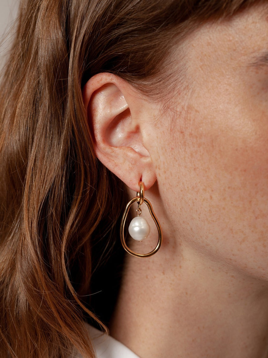 Constance Earrings in Gold