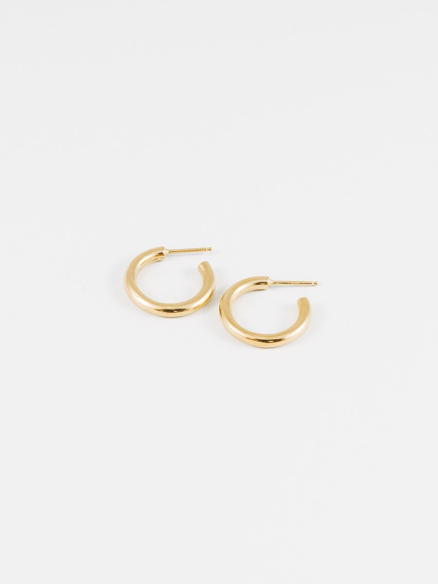 Gia Hoop in Gold