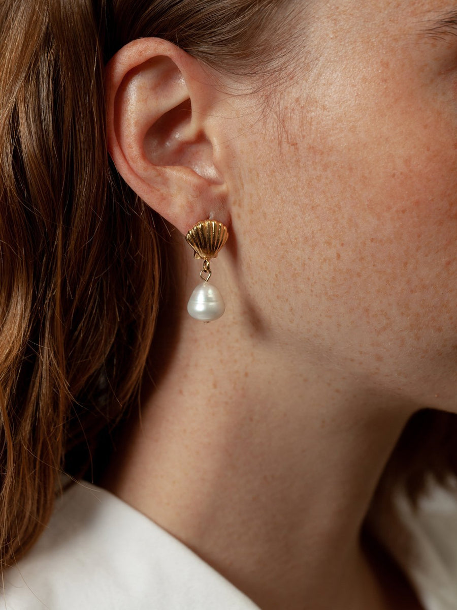 Marcel Pearl Studs in Gold