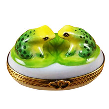 "Load image into Gallery viewer, Rochard ""Love Frogs"" Limoges Box"