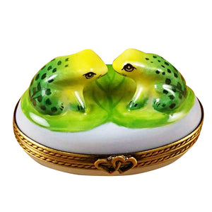 "Rochard ""Love Frogs"" Limoges Box"