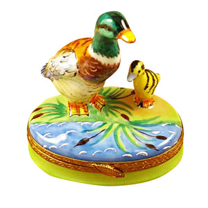 "Rochard ""Duck with Baby"" Limoges Box"