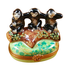 "Load image into Gallery viewer, Rochard ""Three Monkeys"" Limoges Box"