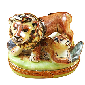 "Rochard ""Lion with Baby"" Limoges Box"