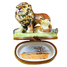 "Load image into Gallery viewer, Rochard ""Lion with Baby"" Limoges Box"