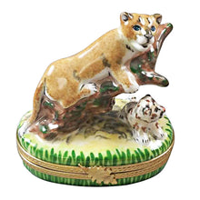 "Load image into Gallery viewer, Rochard ""Cougar with Baby"" Limoges Box"