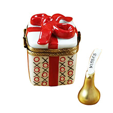 "Load image into Gallery viewer, Rochard ""Love Gift box with XO/XO & Removable Kiss"" Limoges Box"