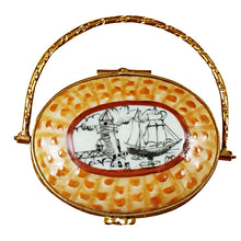 "Load image into Gallery viewer, Rochard ""Nantucket Basket with Lighthouse"" Limoges Box"