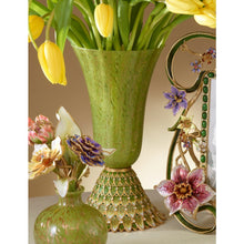 Load image into Gallery viewer, Jay Strongwater Sabrina Feather Vase - Lush Green