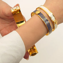 "Load image into Gallery viewer, Halcyon Days ""Sparkle Button Cream & Gold"" Bangle"