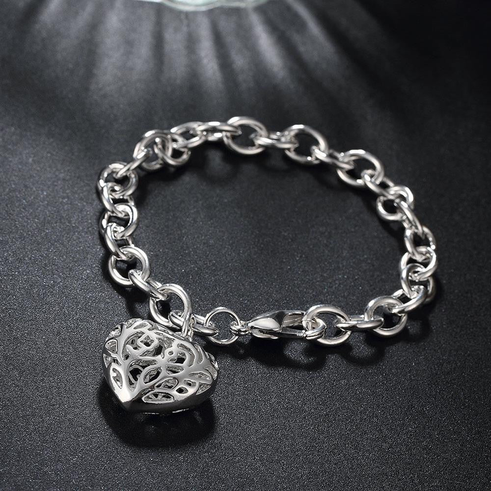 Filigree Heart Bracelet in 18K White Gold Plated