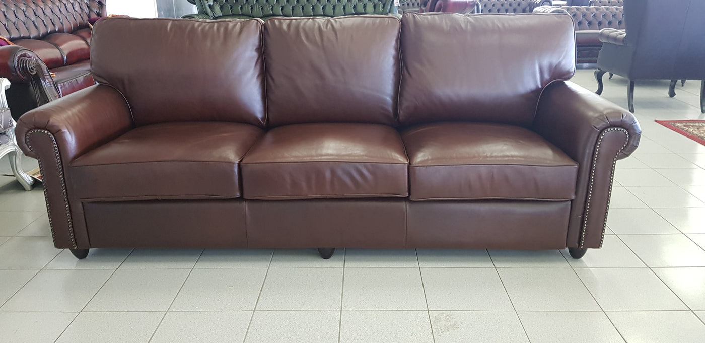 Picture of: We Have The Largest Chesterfield Sofa Range In Australia Sectional Sofa Leather Chesterfield Sofa Chesterfield Sleeper Modern Chesterfield White Chesterfield Sofa